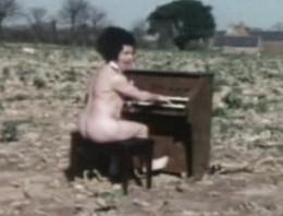 rsz_nude_organist.jpg
