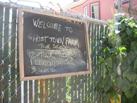 rsz_img_ghost_town_farm_sign_thumb_340x255.jpg