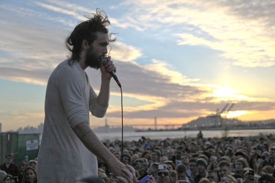 Edward Sharpe & the Magnetic Zeros - KEVIN HENDERSON