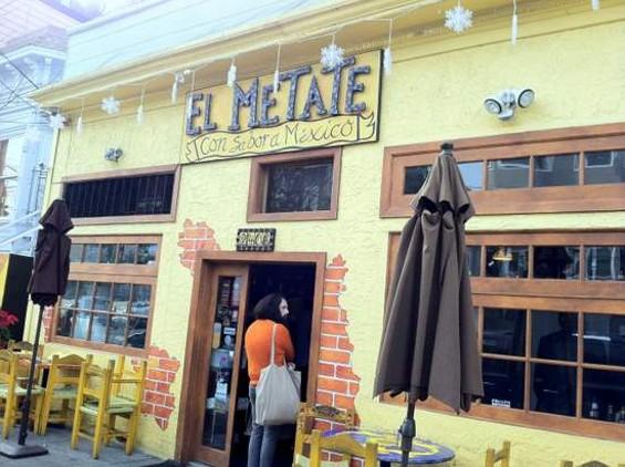 El Metate. - JONATHAN KAUFFMAN