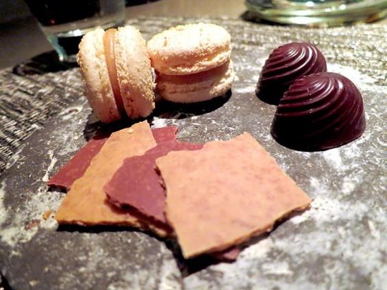 Elegantly plated desserts at Manresa. - THE DAPPER DINER
