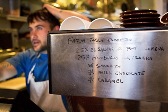 Farm: Table's Shannon Amitin and his new roast. - ELIA VARELA SERRA