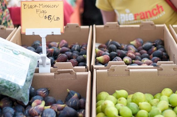 Figs at the Knoll Farms stand at Ferry Plaza. - SEAN TIMBERLAKE