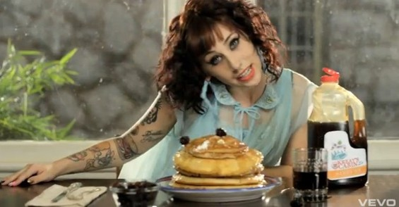kreayshawn_stacks_pancakes.jpg