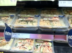 """Fresh & Easy's microwaveable """"steamer"""" meals, most under $5. - JONATHAN KAUFFMAN"""