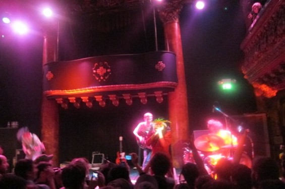 deerhoof_at_gamh_2.jpg
