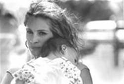 ABBOT  GENSER - Glamorously Unglamorous: Julia Roberts as Erin Brockovich.