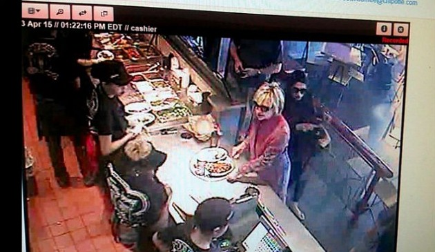 Hillary Clinton at Chipotle. - INQUISITIR.COM