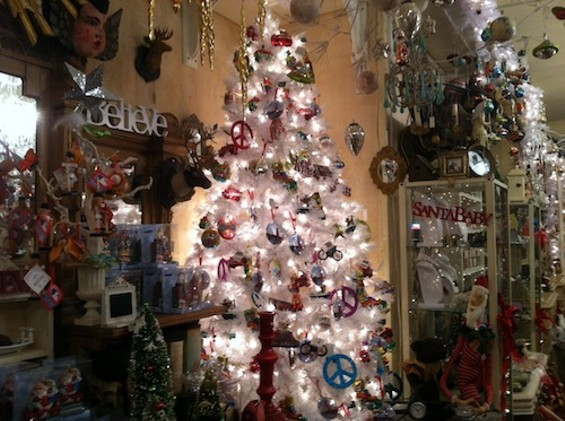 christmasshoppe3.jpg