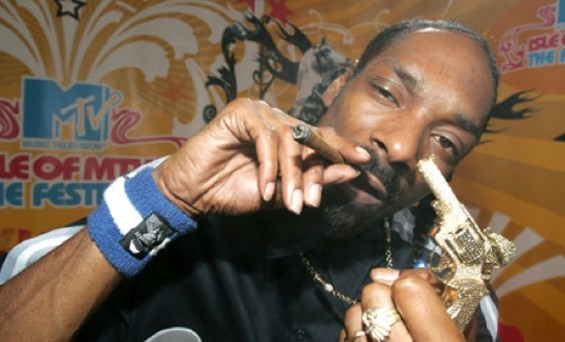 If Snoop Dogg does it, it's gotta be healthy. Right?