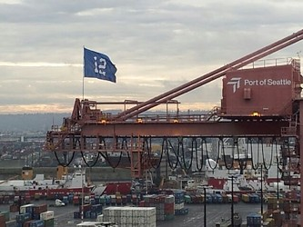 If things go poorly for the 49ers come Sunday, this pro-Seattle flag may end up fluttering over the Bay Area