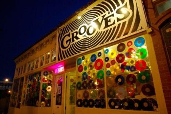 grooves_small_2.jpg