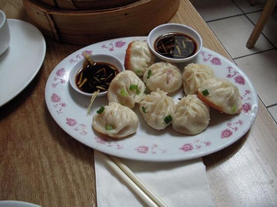shangahi_dumpling_thumb_300x225.jpg