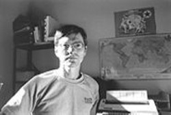 BRANDON  FERNANDEZ - Joel Brozovsky at the Esperanto League's office, waiting.