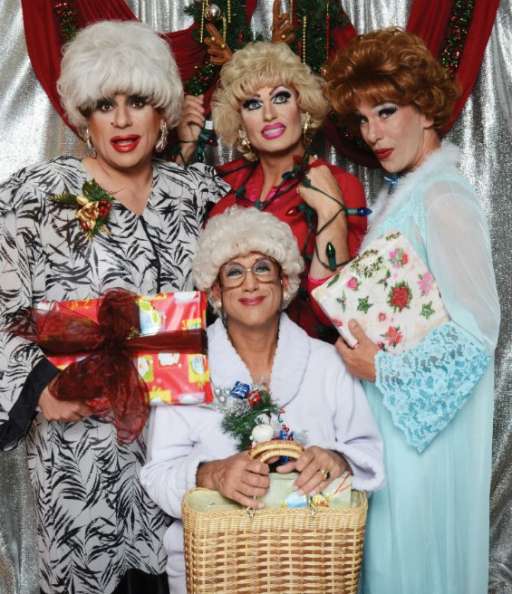 Jose Guzman Colon - POLLO DEL MAR (ROSE), MATTHEW MARTIN (BLANCHE), COOKIE DOUGH (SOPHIA) AND HEKLINA (DOROTHY) BOTH SEATED IN THE GOLDEN GIRLS: THE CHRISTMAS EPISODES