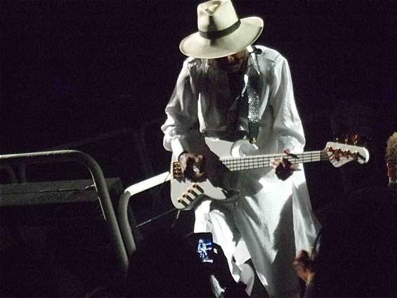 Larry Graham rocks the bass.