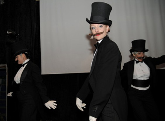 stache_bash_123_thumb_400x293.jpg