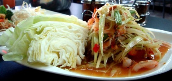 Lers Ros' Green papaya salad - FOOD FASHIONISTA.COM
