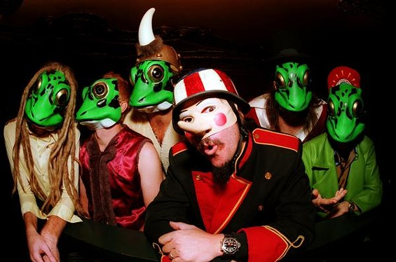 Les Claypool and the Frog Brigade