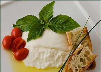 Local, Store-Bought Burrata Stands up to its Italian Inspiration