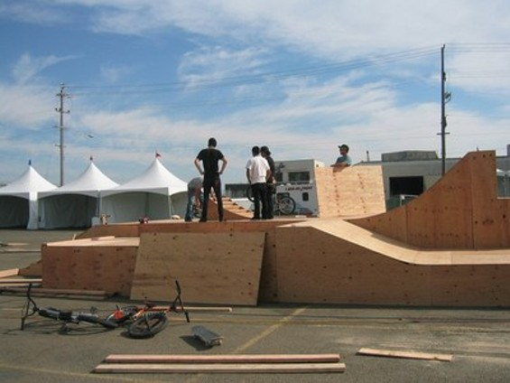 ramp_builders3_thumb.jpg