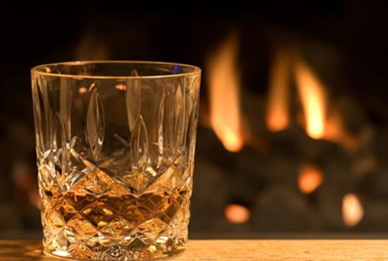 l_whisky_glass_fire_400w.jpg