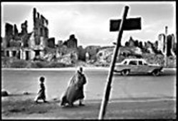 DIDIER  LEFEVRE - Lovely downtown Kabul in 1996, at Photo S.F.