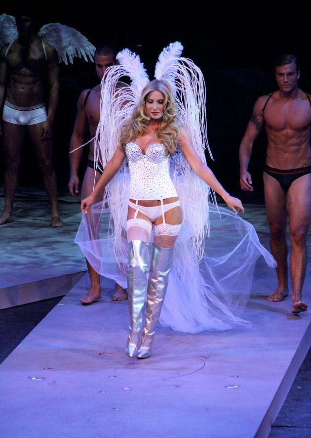 Macy's Passport Fashion Show 2010: Glamarama