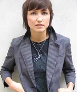 VERONICA VASICKA - Magda.