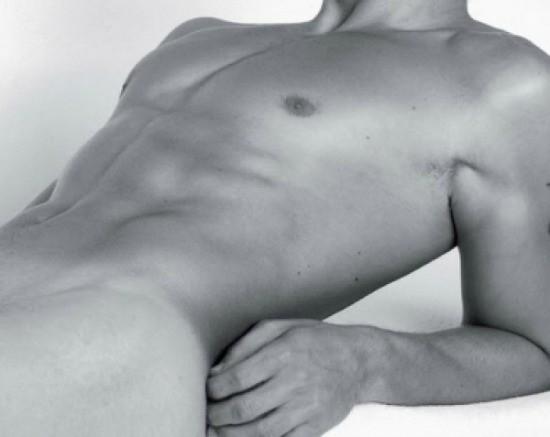 The New Millenium Male flexes and waxes! - SECRETSALONS.COM