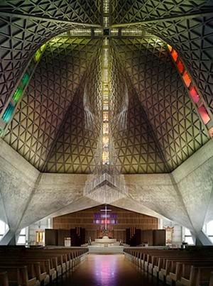 Modernizing Worship - JUAN DE ANDA/ SF WEEKLY