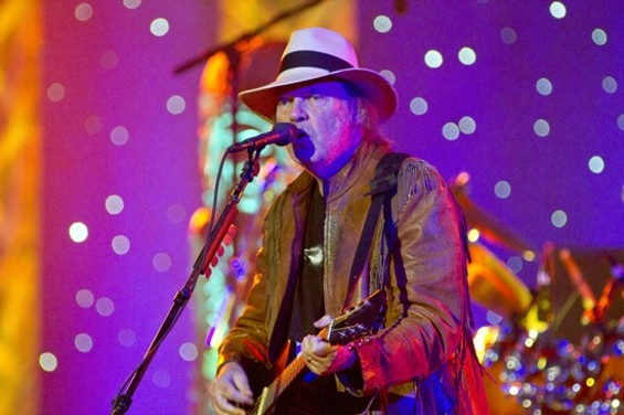 Neil Young - CHRISTOPHER VICTORIO