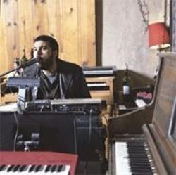 MORGAN  HOWLAND - Nino Moschella: Fixed on falsetto.