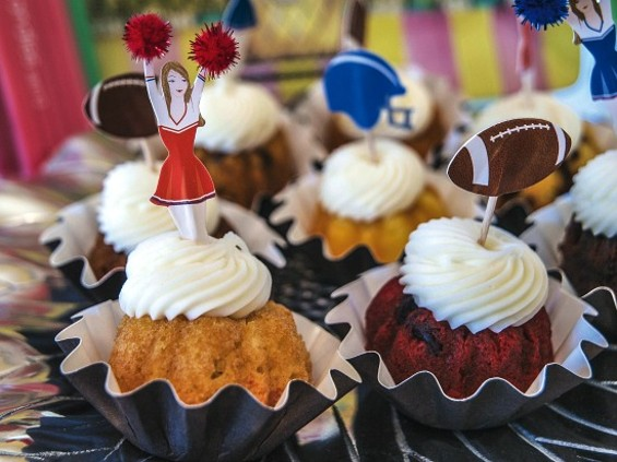 "Nothing But Bundt cakes in Millbrae specialize in ""bundtinis."" - MIKE KOOZMIN/THE S.F. EXAMINER"