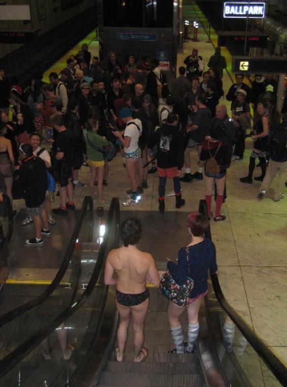 escalatorimg_1547_thumb_400x539.jpg