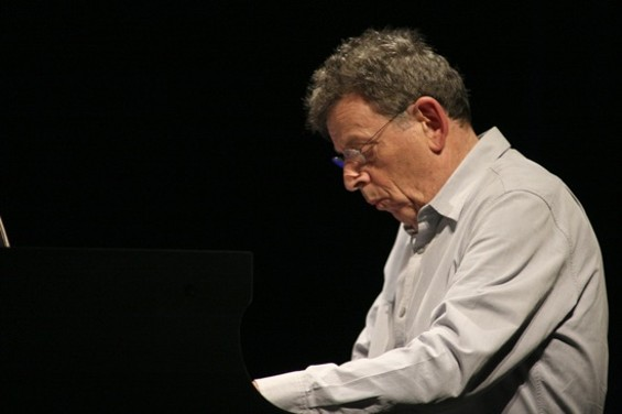 Philip Glass - CHRISTOPHER VICTORIO