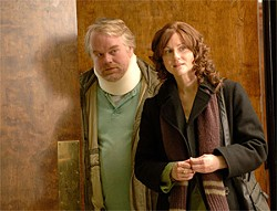 © FOX SEARCHLIGHT PICTURES - Philip Seymour Hoffman and Laura Linney play siblings dealing with a fast-fading dad.