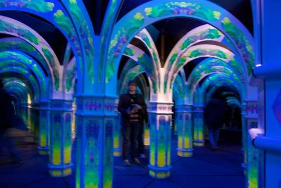 Photo at Magowan's Infinite Mirror Maze at Pier 39. Why don't bands play here?