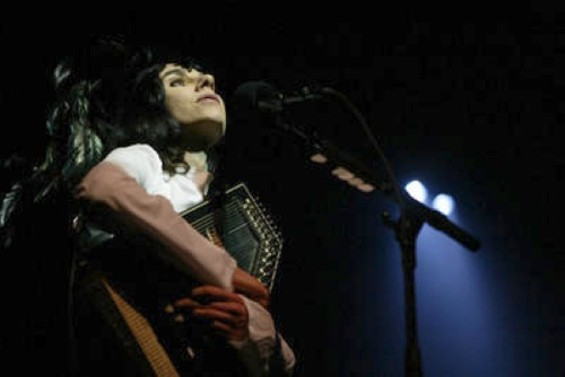 PJ Harvey photo by Ray Chavez/San Jose Mercury News