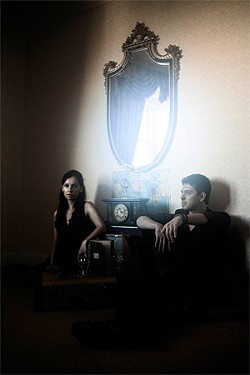 Rodrigo y Gabriela get their strings synched.