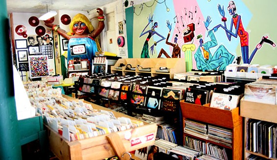 Rooky Ricardo's Records: good vinyl goes to heaven here
