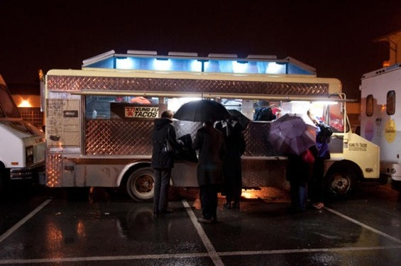 Rough weather slows winter sales for food trucks -- but they can adapt in other ways. - GIL RIEGO JR.