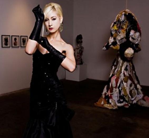 Sarah Morrison Photography. Josette Church Makeup. - SHOT AT THE WALTER MACIEL GALLERY, LA. ROBB PUTNAM WALL ART AND SCULPTURE