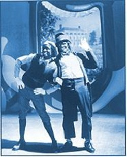 DAVID  LEE - Satirizing the Stereotypes: Tommy Davidson (left) and Savion Glover don blackface  in Bamboozled.