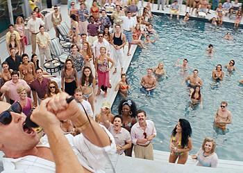 """""""The Wolf of Wall Street"""": DiCaprio Lovable as a Debaucherous Plutocrat"""