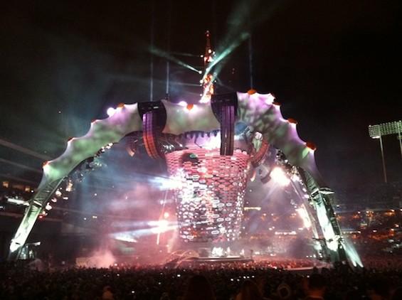 060711_u2_spider_stage.jpg