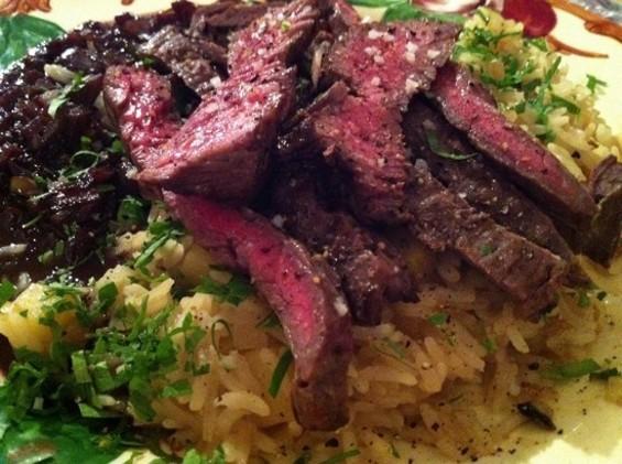 Skirt Steak with Jasmine Rice - HTTP://MARIOBATALIVOICE.BLOGSPOT.COM/