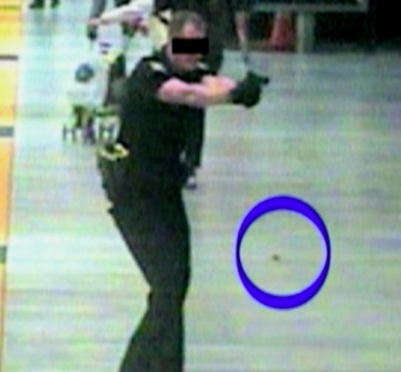 The blue circle highlights one of the knives Hill carried, according to BART officials