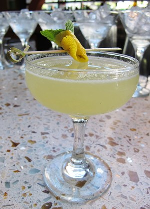 The Expat cocktail - LOU BUSTAMANTE