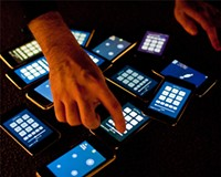 iPhones and iPads revolutionize beatmaking, piano playing, and symphony conducting